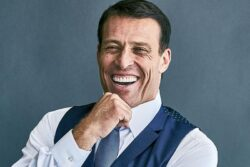 Top Books Recommended by Tony Robbins 2021